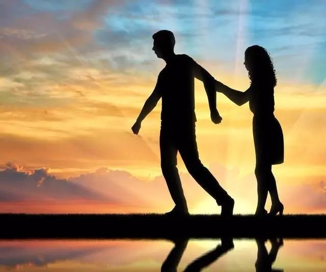 快速挽回爱情的秘诀:不讨好对方,不委屈自己